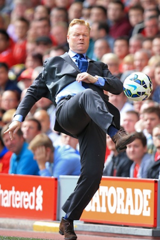 The new Southampton manager Ronald Koeman shows he's still got some skills.