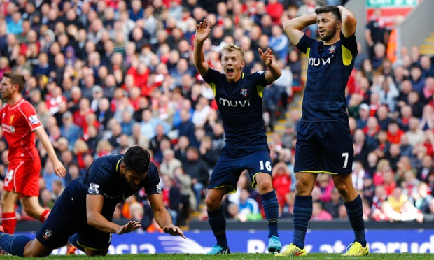 Southampton's (L-R) Graziano Pelle, James Ward-Prowse and Shane Long react after a missed opportunity.