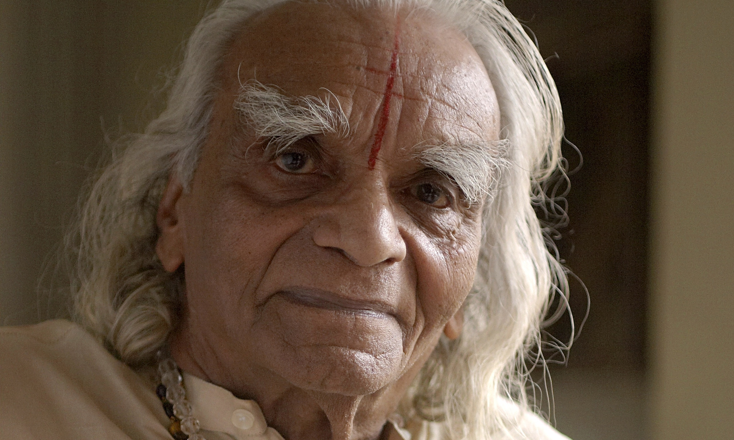 bks iyengar indian guru who sparked global yoga craze dies aged 95 life and style the guardian. Black Bedroom Furniture Sets. Home Design Ideas