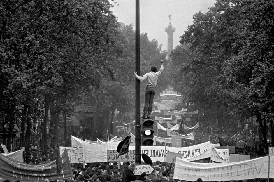 bruno barbey 39 s best photograph the paris protests of 1968 art and design the guardian. Black Bedroom Furniture Sets. Home Design Ideas