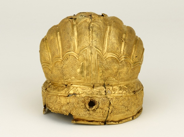 Head ornament. Gold. About 1400-50. Nanjing or Beijing.