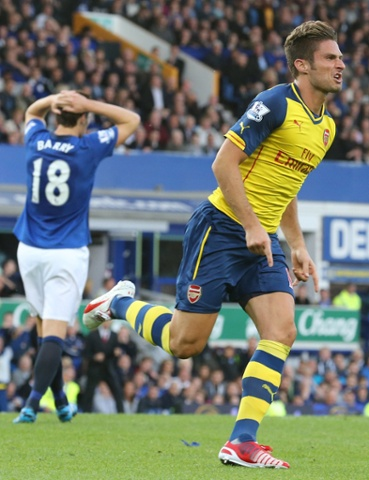 Barry finds a draw hard to take as the final whistle blows shortly after Giroud's late equaliser for Arsenal. Final score: 2-2.
