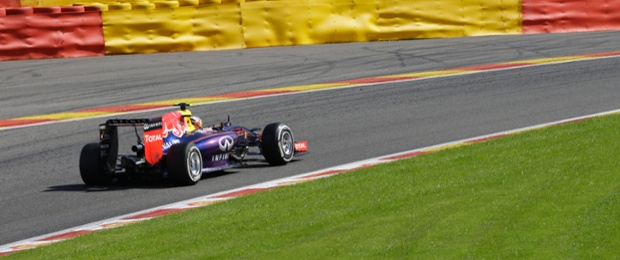 Red Bull's  Daniel Ricciardo pulls away to lead the at the Spa-Francorchamps circuit.