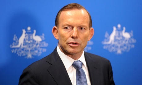 بهرێز ( تونی ئهبوت) سهرۆك وهزیری حكومهتی ئوسترالیا به شێوه...