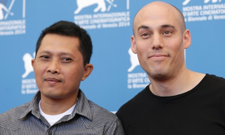 Adi Rukun and Oppenheimer at the press call for The Look of Silence.