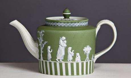 A teapot in Wedgwood's famed jasperware (1785-90).
