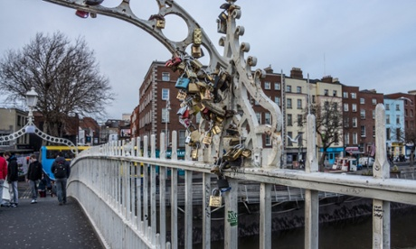 Love locks on the Ha'penny bridge, Dublin
