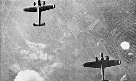 German bombers over London in 1940