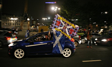 Car on George square