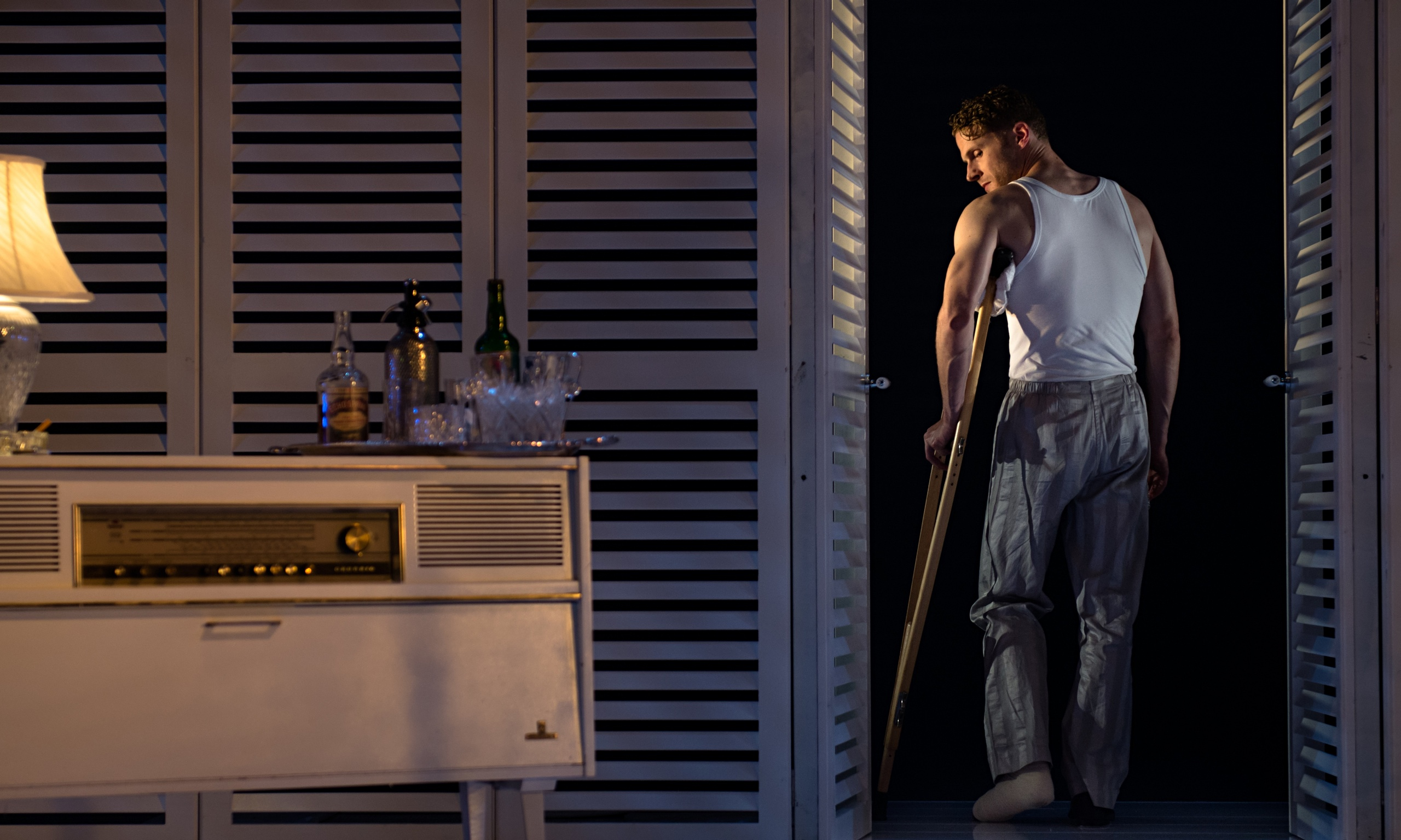 Cat on a hot tin roof review revival honours williams s original vision stage the guardian for Hot tin roof custom home design