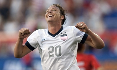 Wambach demands equal treatment for women in 2015 World Cup turf battle
