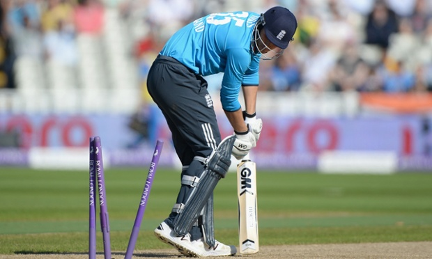 England's Alex Hales is bowled by India's Bhuvneshwar Kumar