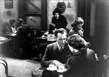 Trevor Howard and Celia Johnson in Brief Encounter, filmed in 1945 on location at Carnforth station.