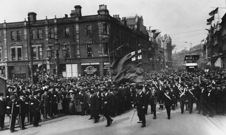On Ulster Day, Lord Charles Beresford, F. E. Smith, Sir Edward Carson and other leaders of the Ulster Unionists are among the crowd marching to City Hall to sign a Covenant against Irish Home Rule. September 28, 1912 Belfast, Ulster, Ireland