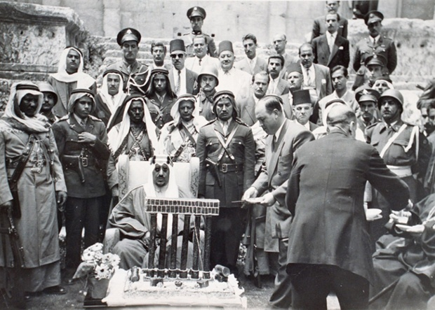 A state visit of King Saud bin Abdul Aziz to Baalbek Temple in 196