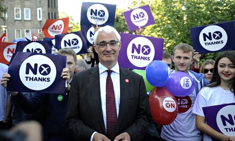 Alistair Darling campaigning in Edinburgh