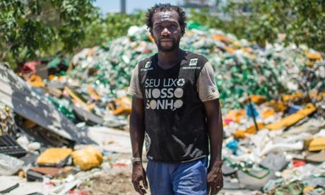 Life amid the trash of a Rio dump