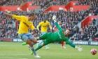 Marouane Chamakh scores