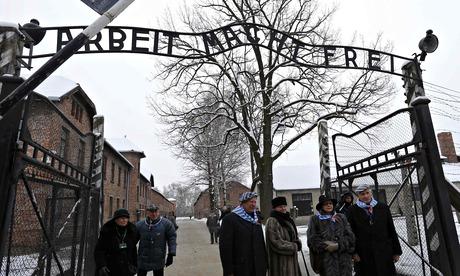 Auschwitz survivors: 'We felt a responsibility for each one'