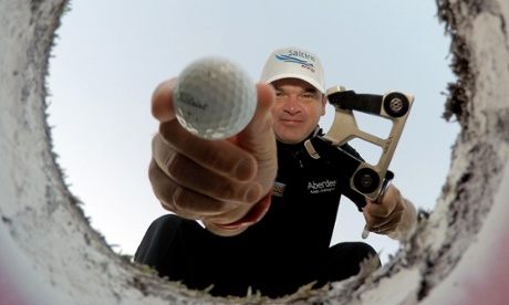 Sport picture of the day: get in the hole