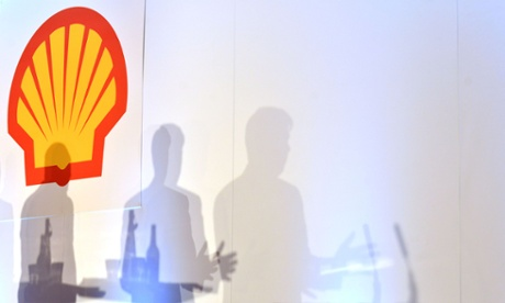 Shell urges shareholders to accept climate resolution