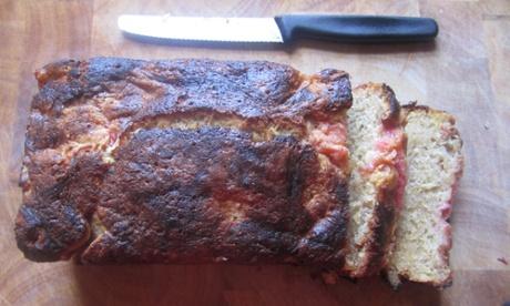 Rhubarb, oat and cinnamon loaf – recipe