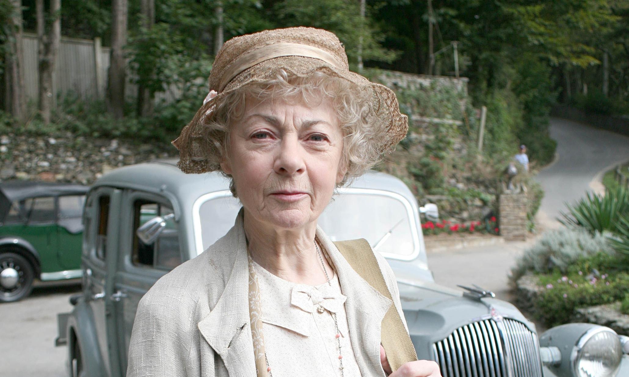 miss marple actor geraldine mcewan dies aged 82 uk news