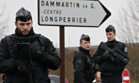 Charlie Hebdo manhunt: police close in on suspects north-east of Paris