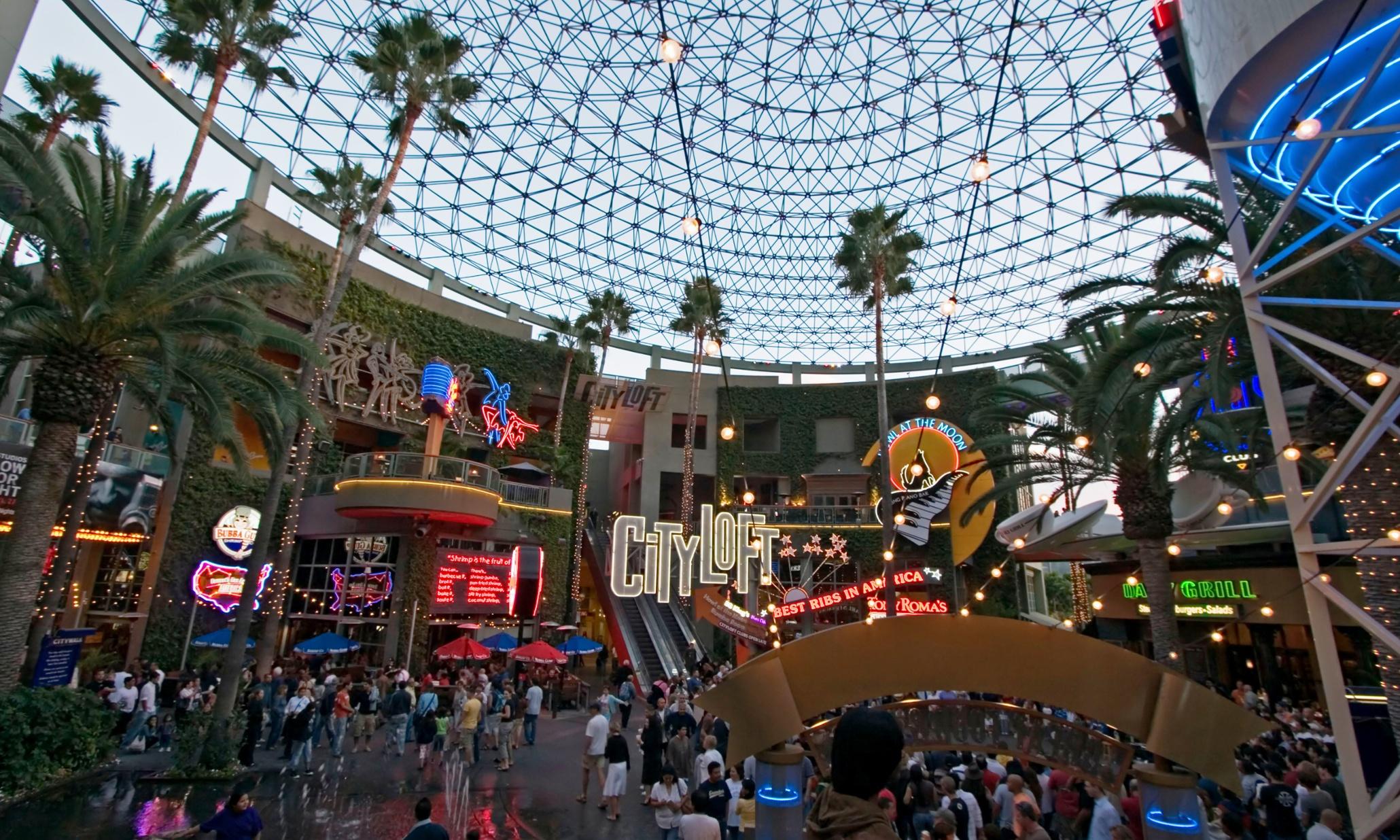 All Hail Jon Jerde The Walt Disney Of American Shopping