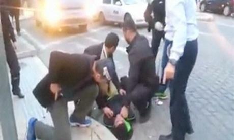 Mayor of Jerusalem tackles Palestinian knifeman after stabbing