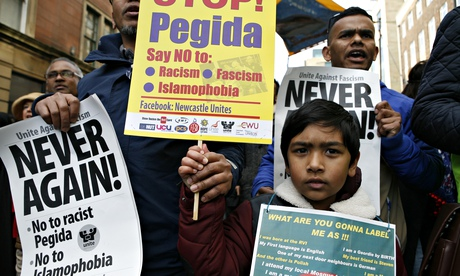 Far-right Pegida eclipsed by its opponents at first UK demo