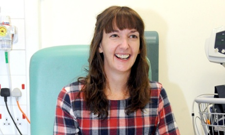 Ebola nurse Pauline Cafferkey became infected after using visor, report says