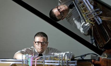 Slime mould and researcher set to play piano duet