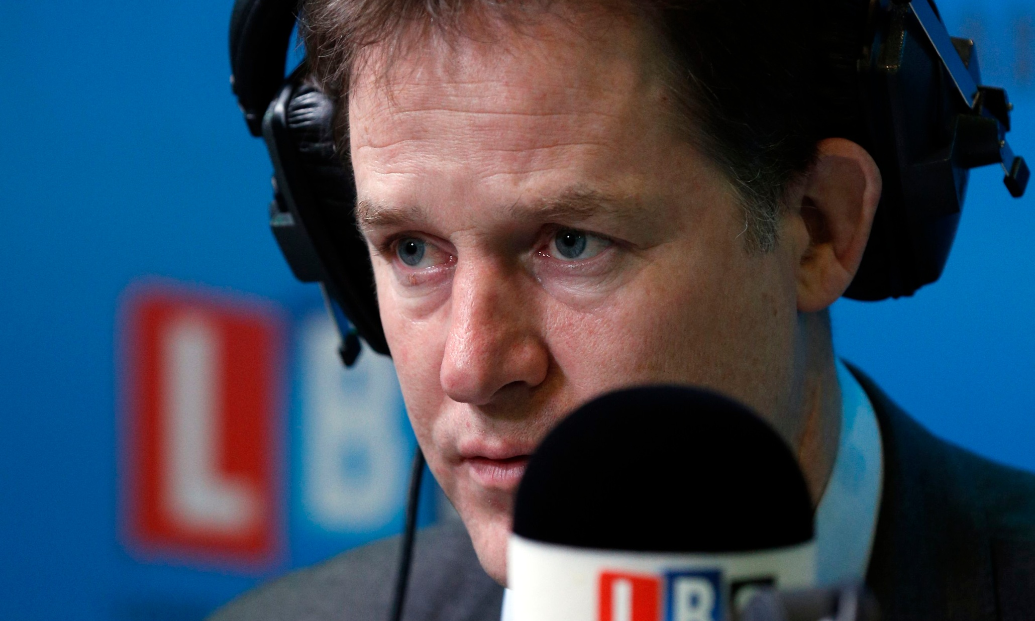 Farage irresponsibly mixing fears over extremism and immigration, says Clegg