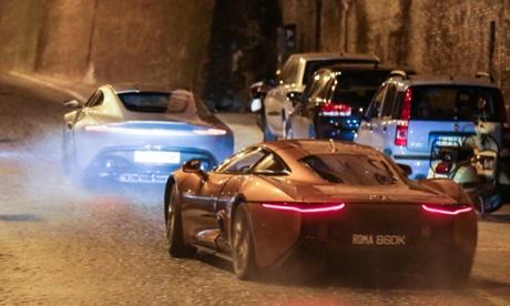 When in Rome: James Bond team win praise for litter-picking Spectre shoot