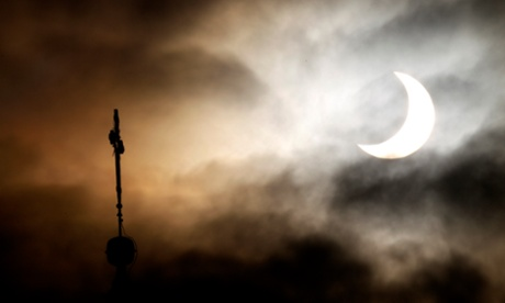 Solar eclipse 2015: share your photos and stories
