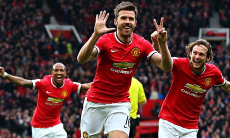 Michael Carrick signs Manchester United contract extension to 2016