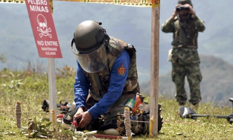 Farc guerrillas and Colombian troops to work together to tackle landmine legacy