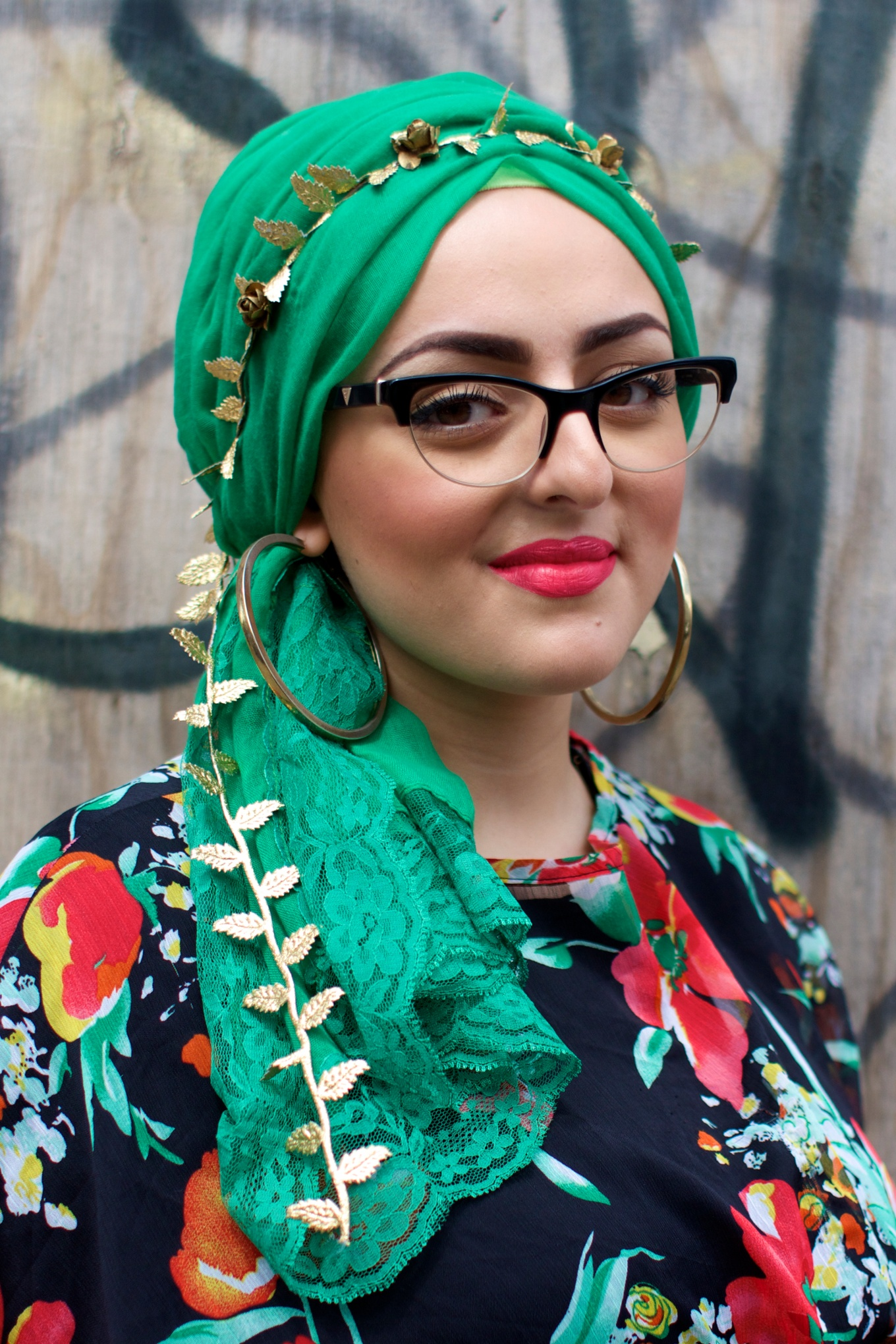 west york single muslim girls What is muslim women's role in the islamic resurgence and what does it mean to be a muslim feminist  new york, new york  which you will see some matriarchal societies like in west.
