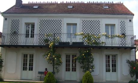 Outside view of La Roseraie B&B in Ste Genevieve Les Gasny, France