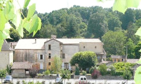 Outside view of Ancienne Gendarmerie B&B in Cadouin, France
