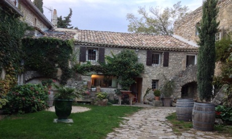 Outside view of Le Mas Normand B&B in Vers-sur-mer, France