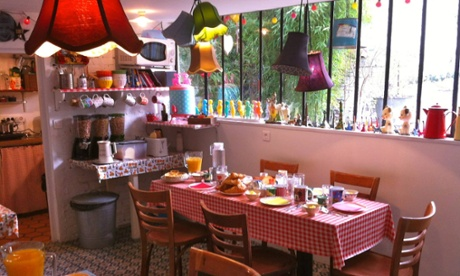 Dining room at La Maison Bacana B&B, France