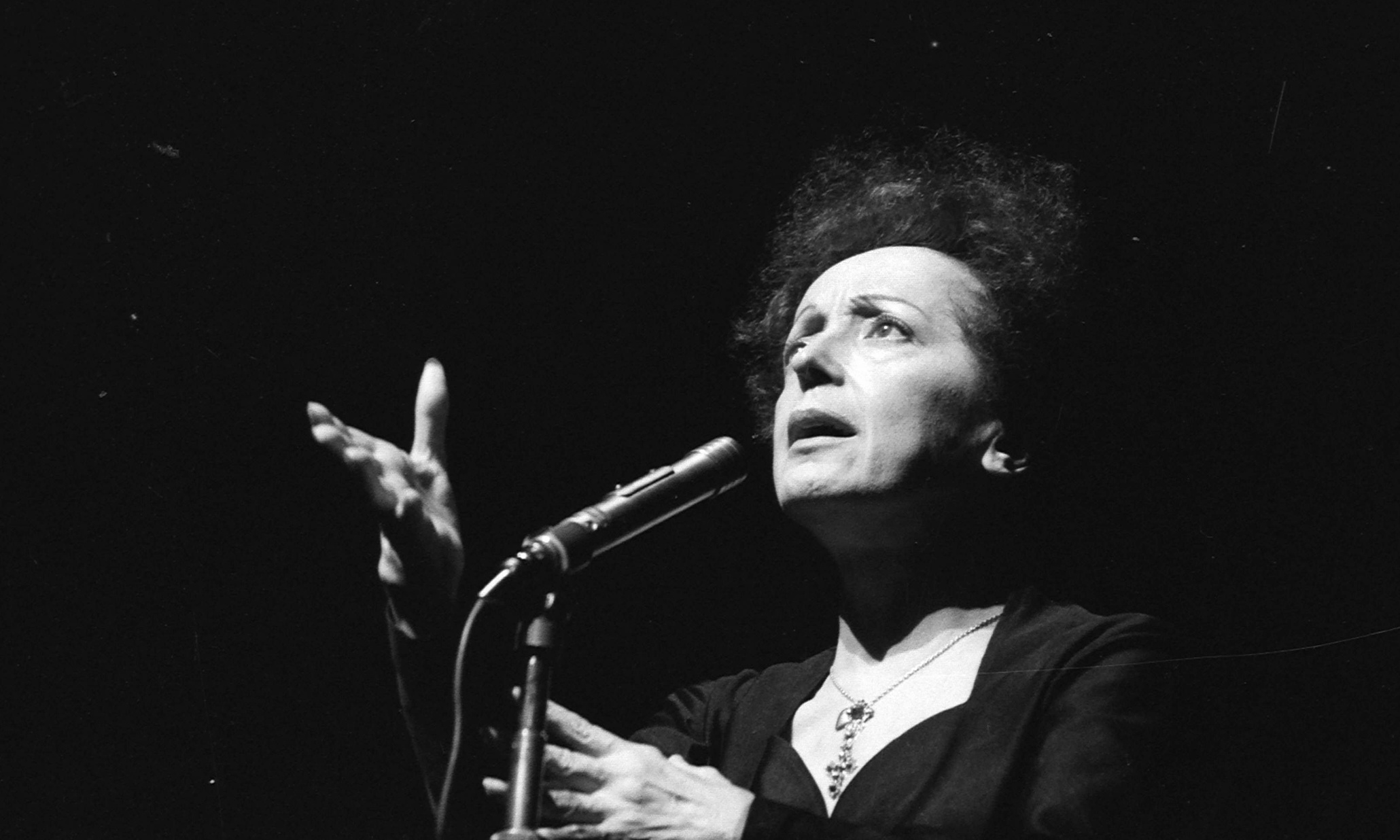 Edith Piaf Parents Edith Piaf With Exhibition