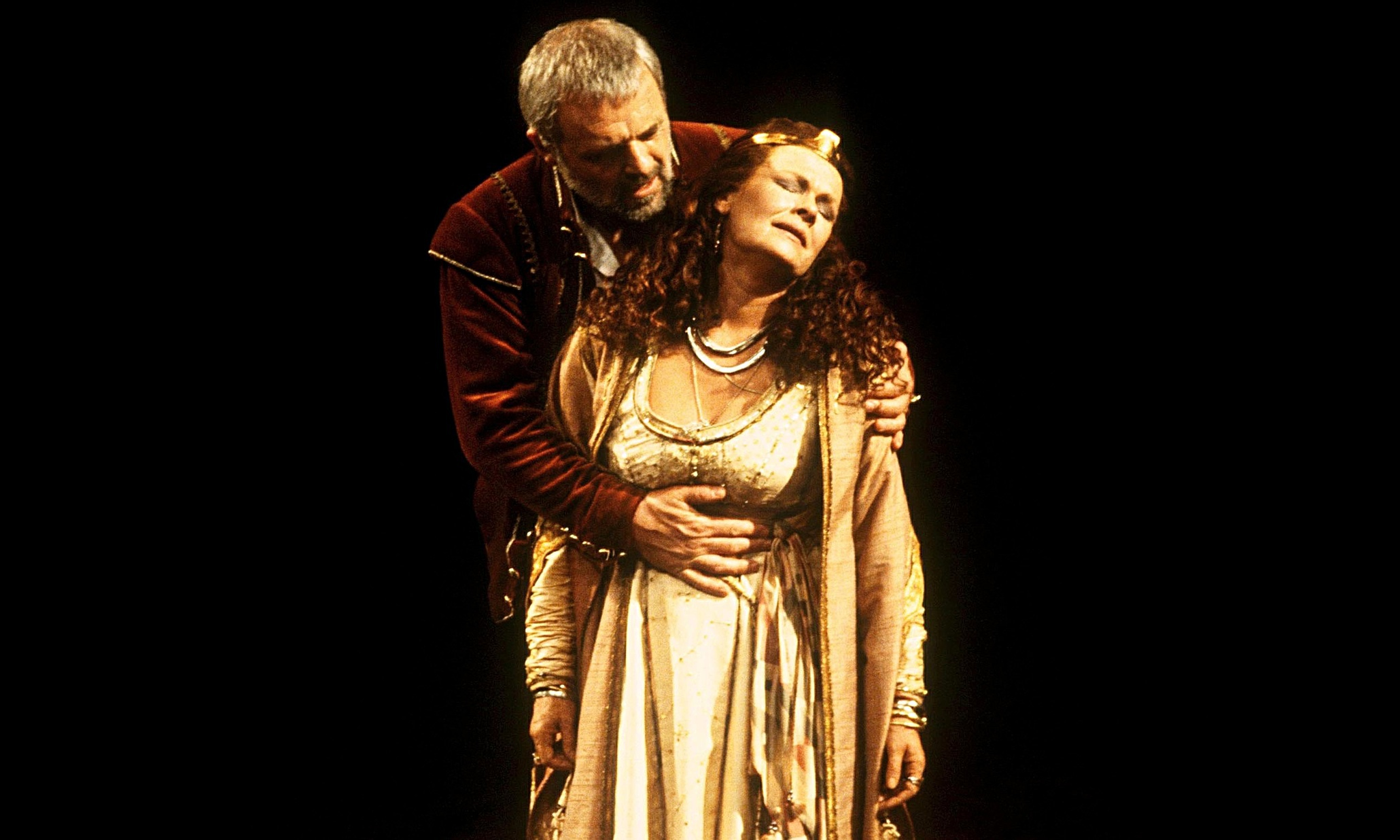 antony and cleopatra Essay on triumph over tragedy in antony and cleopatra - triumph over tragedy in antony and cleopatra a plot summary of antony and cleopatra would suggest that it.