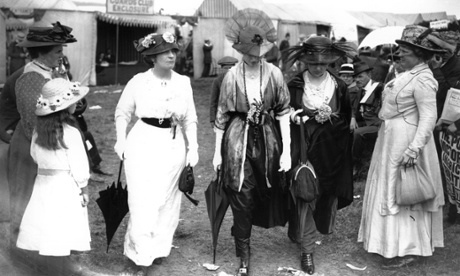 Women wearing the latest fashions in 1914