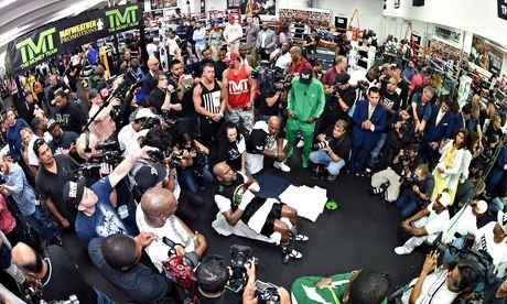 Floyd Mayweather eyes Las Vegas jackpot against Manny Pacquiao