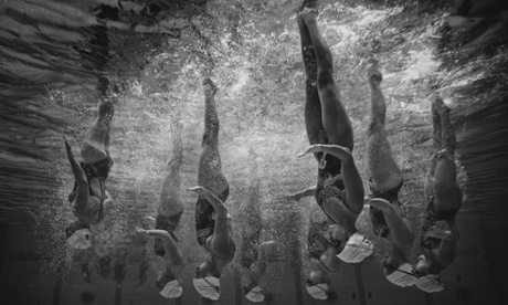 Sport picture of the day: synchronised and monochromed