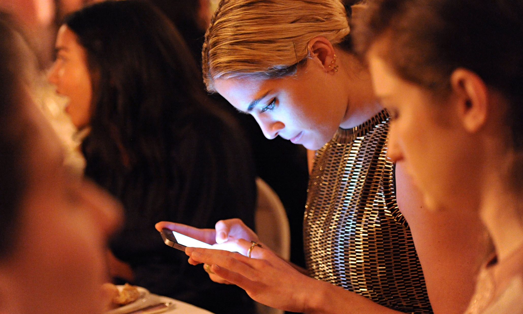 Looking at your mobile? You're cutting off a world of creativity – and flirtation