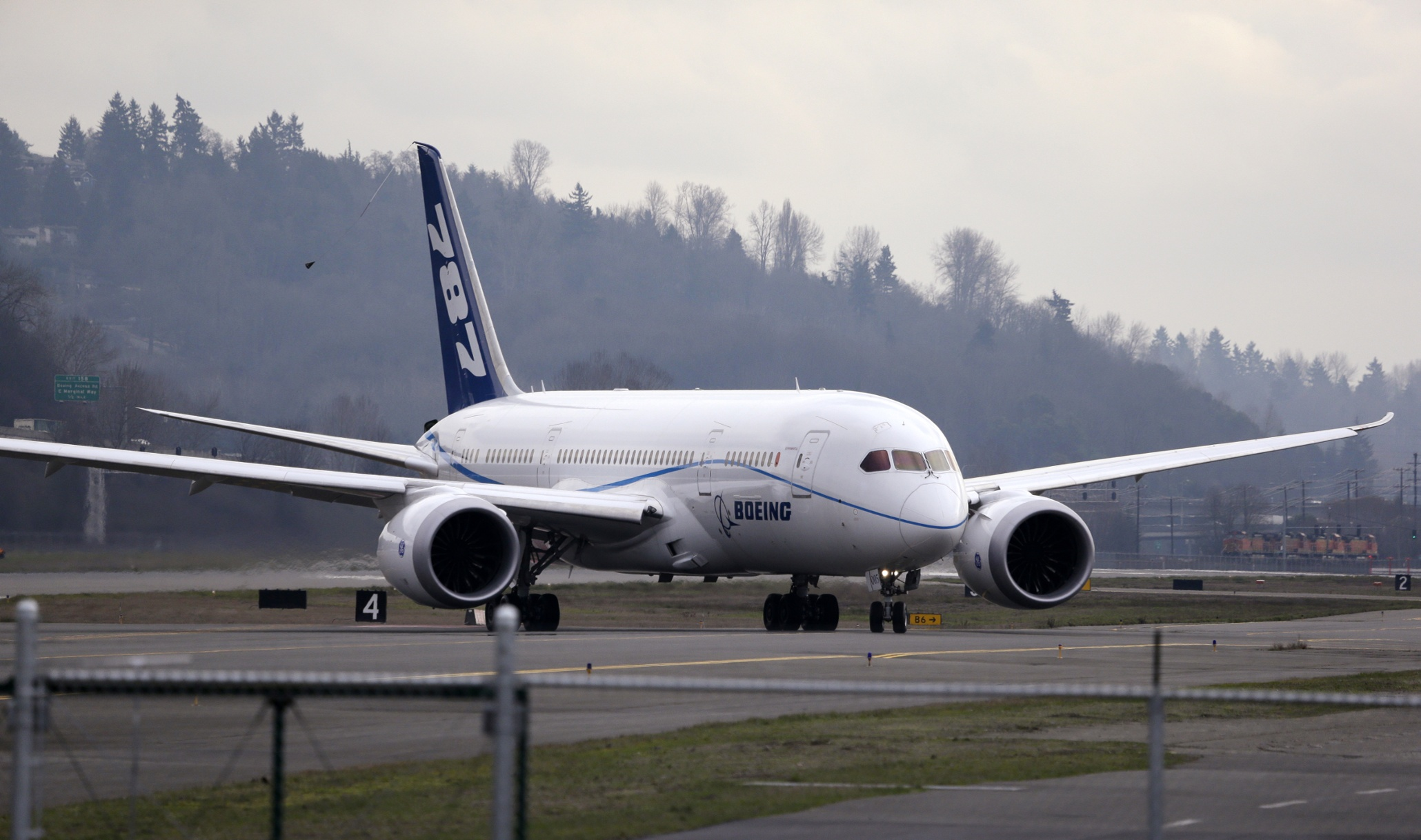 US aviation authority: Boeing 787 software bug could cause 'loss of control'